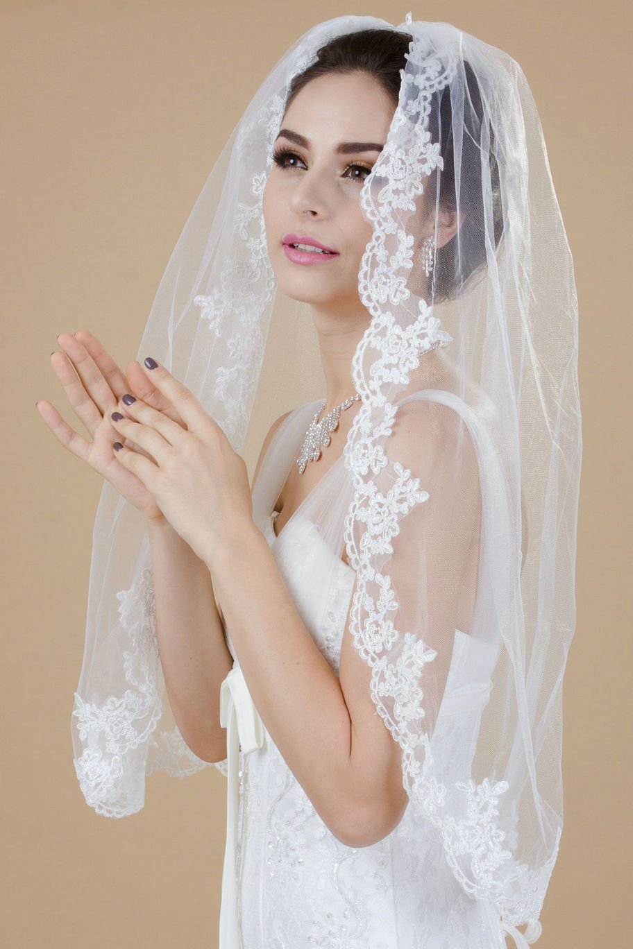 Buy Venus Bridal Wedding Veil for Bride with Lace Edge and Comb Attached  (Ivory, Plastic comb) Online at Low Prices in India - Amazon.in