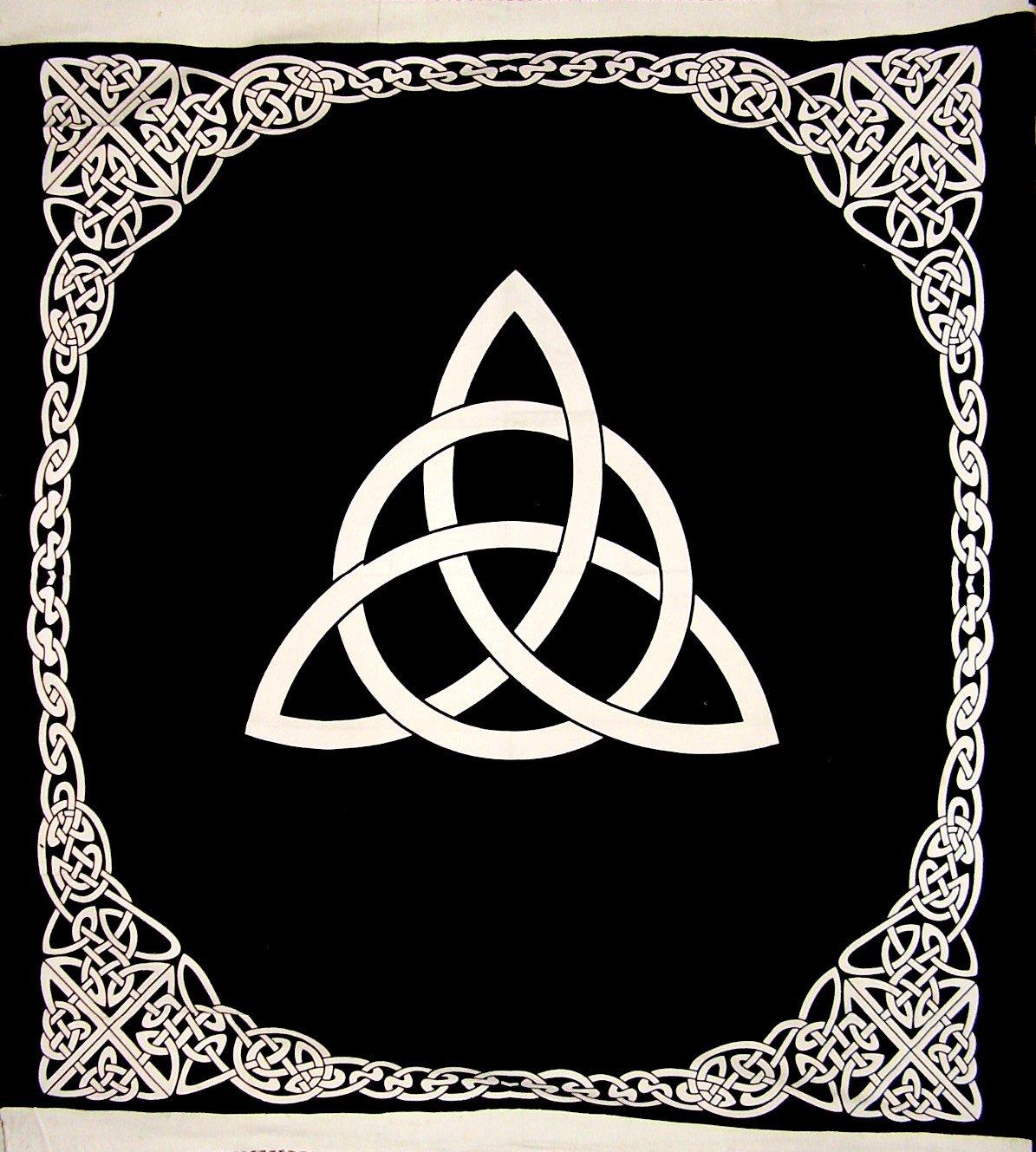 Celtic Trinity Knot Tapestry Heavy Cotton Spread 96'' x 86'' Black