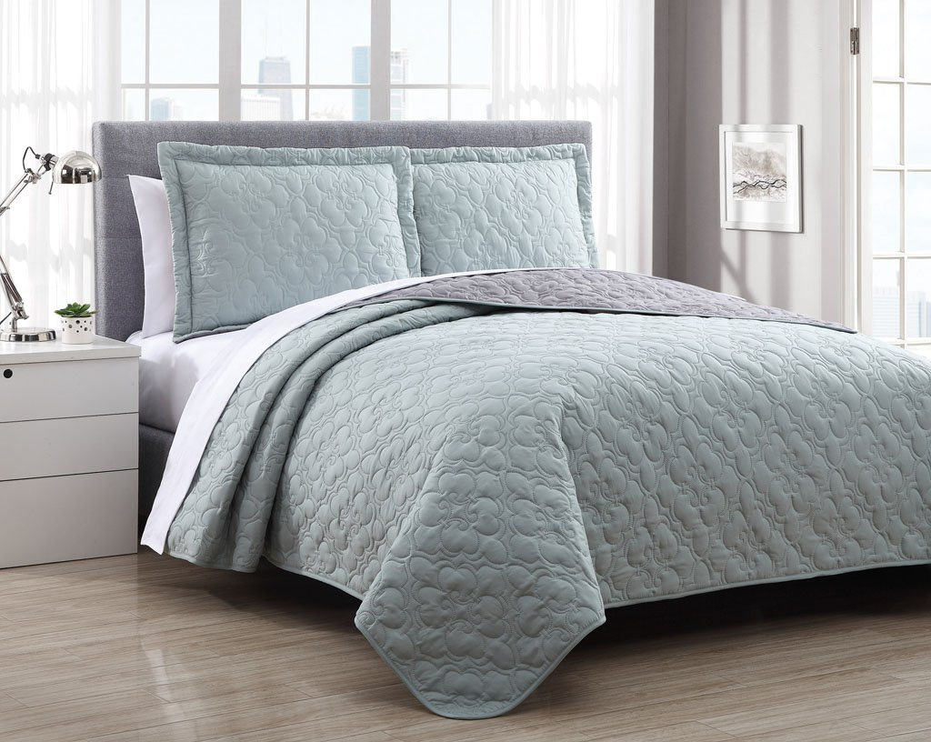 Stella Spa Sage/Charcoal Reversible Bedspread/Quilt Set Queen