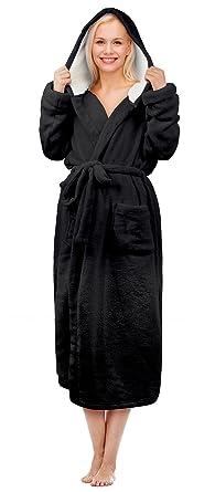 8e66fceee8 Tirrinia Women s Long Plush Robe with Hood Sherpa Lined Bathrobe Black