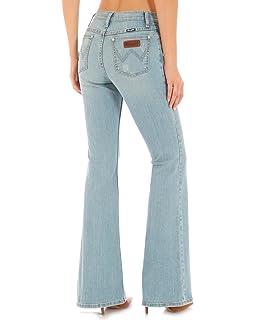 a858e7803cc Wrangler Women s High-Waisted Flare Jeans Indigo 7W x 30L at Amazon ...