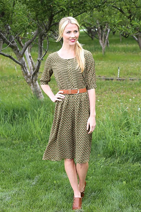 27dc7fd1e0a Clara Modest Dress in Moss Floral Print - XL at Amazon Women s Clothing  store