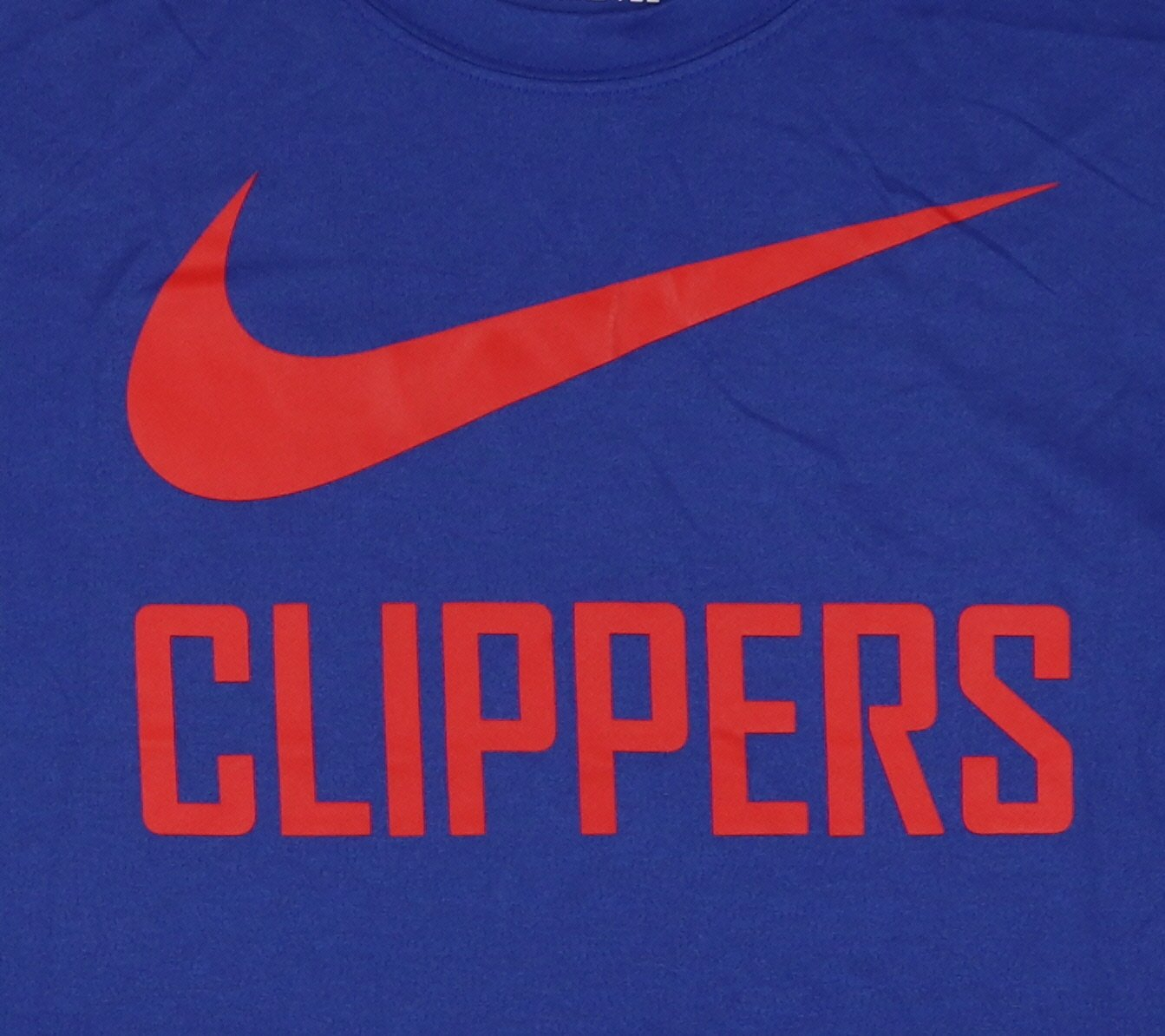 95ba918f3bfe Amazon.com  Nike Men s Los Angeles Clippers Swoosh Logo T-Shirt Large Royal  Blue Red  Sports   Outdoors