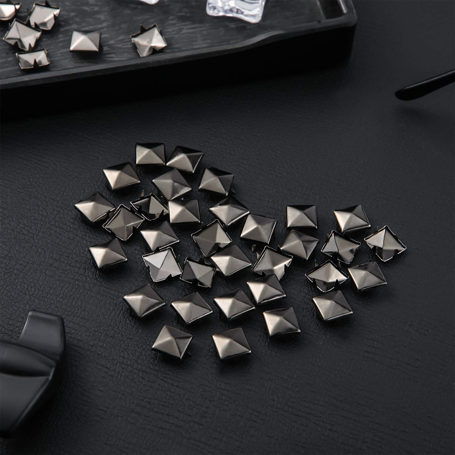 Black 400 Pieces 10 mm Four-Jaw Square Rivets Bag Leather Clothing Shoes Rivet Handicraft DIY Spikes Spots Studs Accessories with Straight Tipped Scratch Awl Craft Tool
