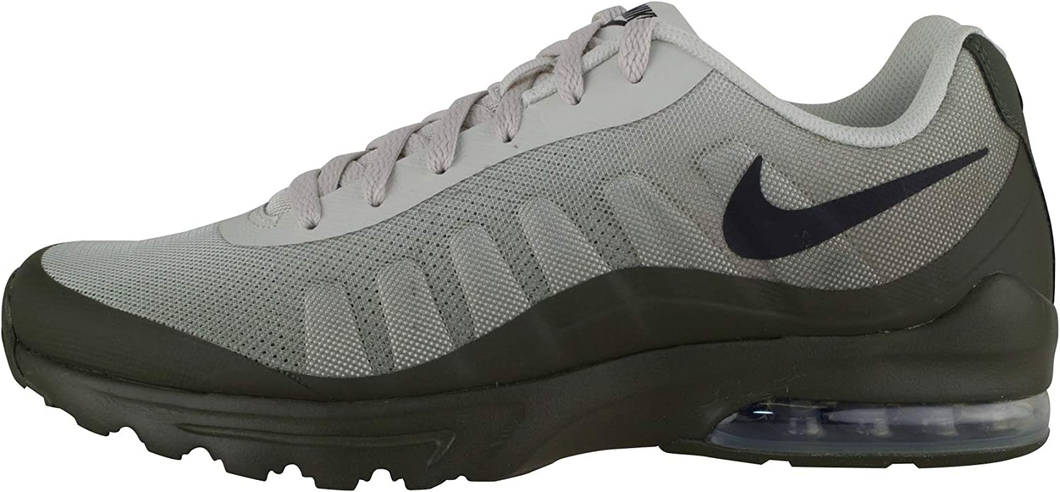 NIKE Men s Air Max Invigor Print Running Shoes