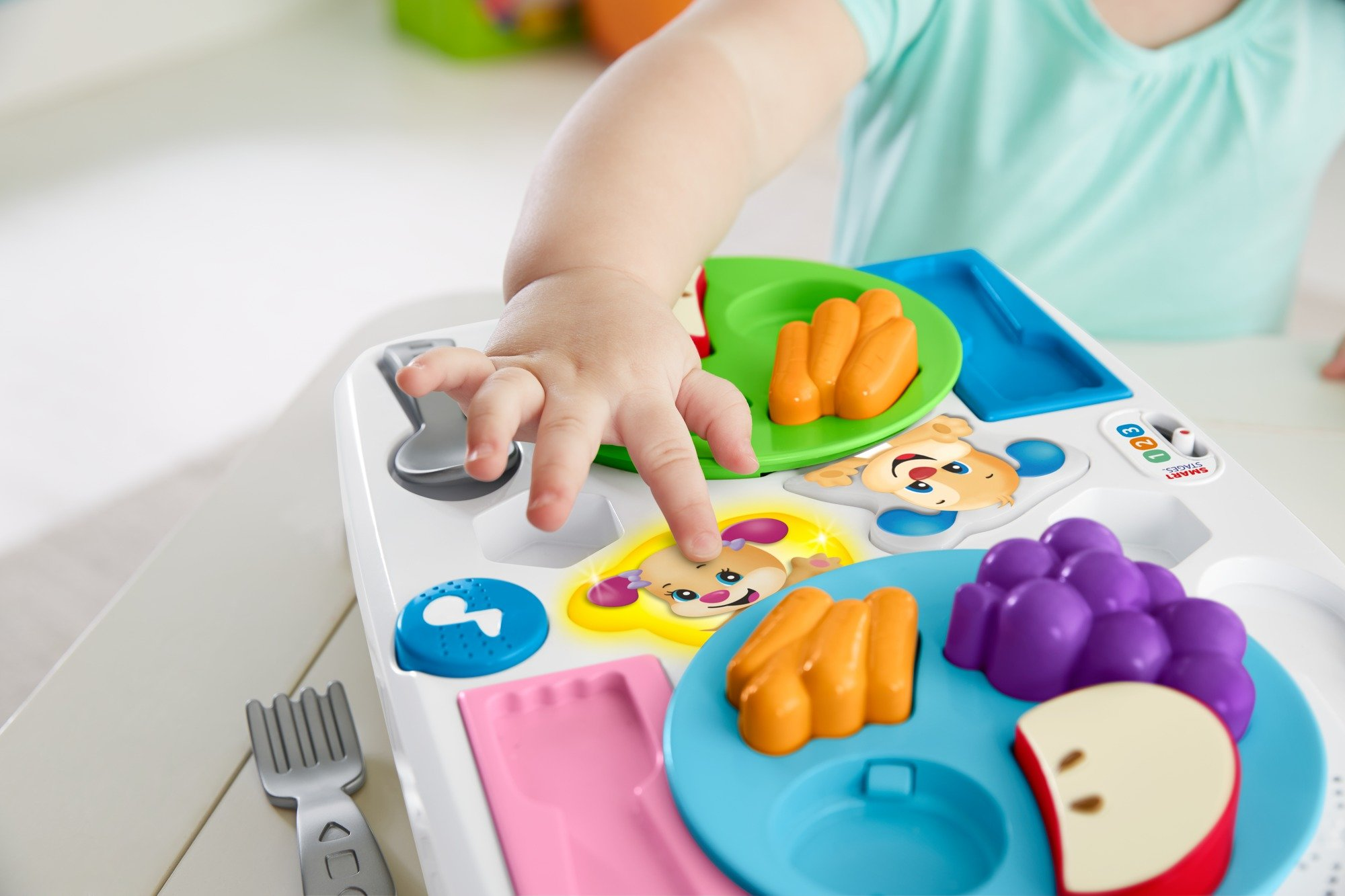 Fisher-Price FBM90 Say Please Snack Set, Laugh and Learn Toddler Kitchen and Food Role Play Toy, Suitable for 18 Months Plus by Fisher-Price (Image #4)