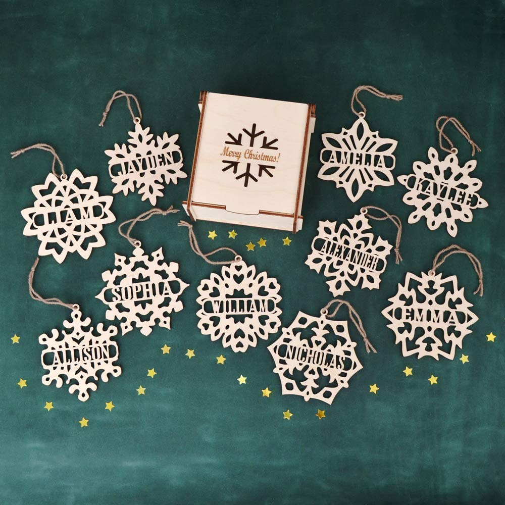 Set of PERSONALIZED CHRISTMAS ORNAMENTS Wooden Snowflake // 4 Inches Christmas Decoration - Custom Snowflake Ornament - Engraved Christmas Ornaments