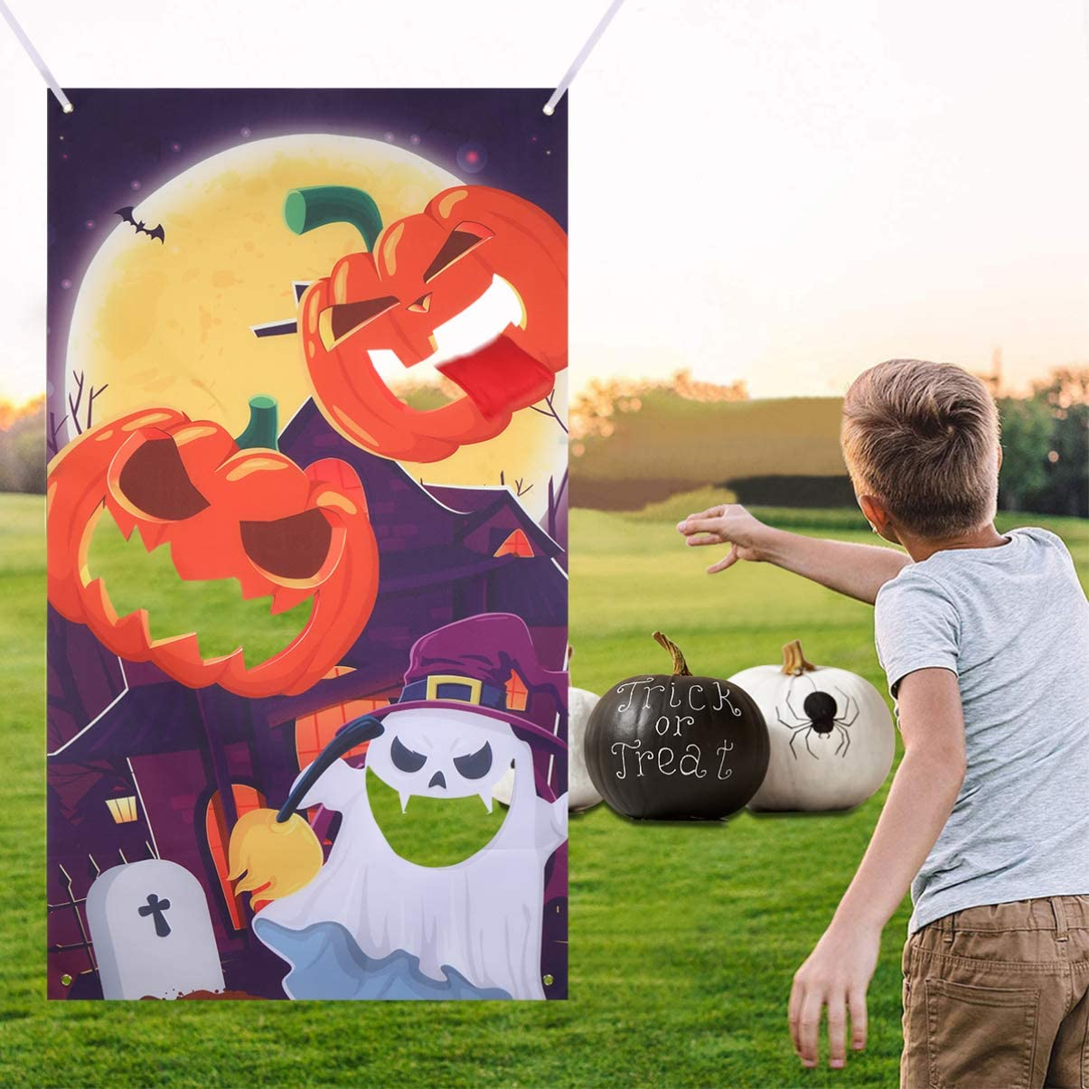 Halloween Toss Game Banner with 3 Bean Bags for Kids Adults Indoor Outdoor Sports Fun Party Supplies Decoration