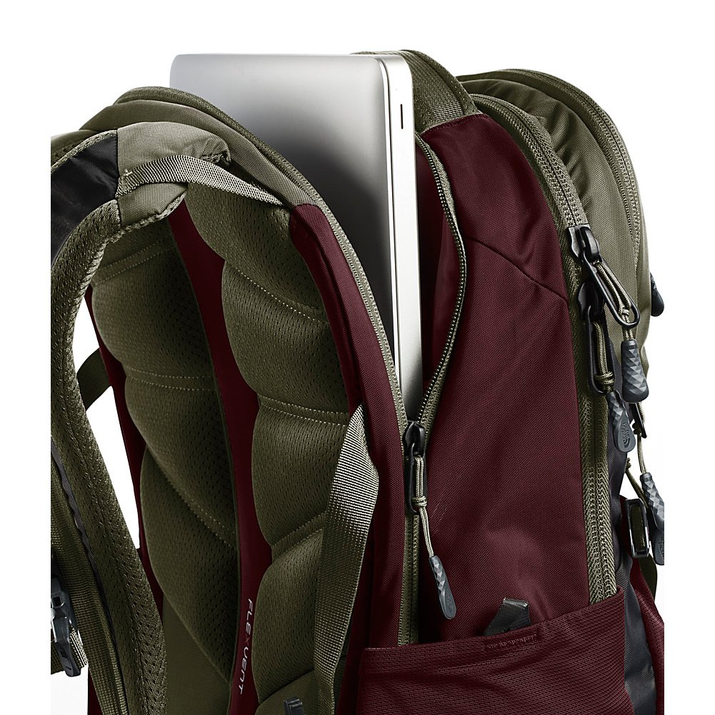 e8fc50392 THE NORTH FACE Recon Backpack