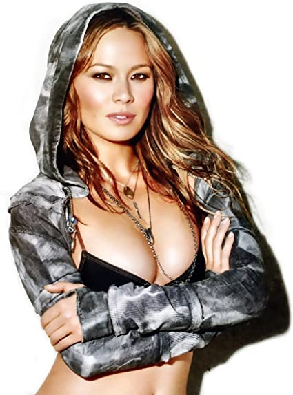8x10 GLOSSY Photo Picture IMAGE #2 Moon Bloodgood 8 x 10