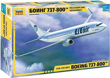 Amazon Com Zvezda 7019 Civil Airliner Boeing 737 800 1 144 Toys Games
