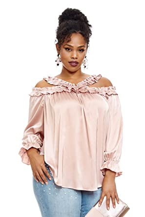 389a8c0e365 Fashion To Figure Women s Plus Size Sadie Ruffle Cold Shoulder Blouse at  Amazon Women s Clothing store