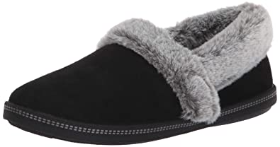 4508e6037083 Skechers Women s Cozy Campfire-Team Toasty-Microfiber Slipper with Faux Fur  Lining
