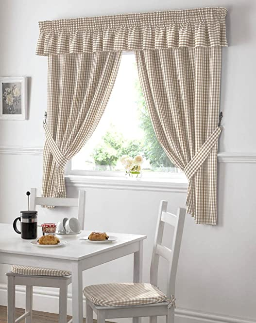 Gingham Kitchen Curtains Beige Pelmet 136 x 10: Amazon.co.uk ...