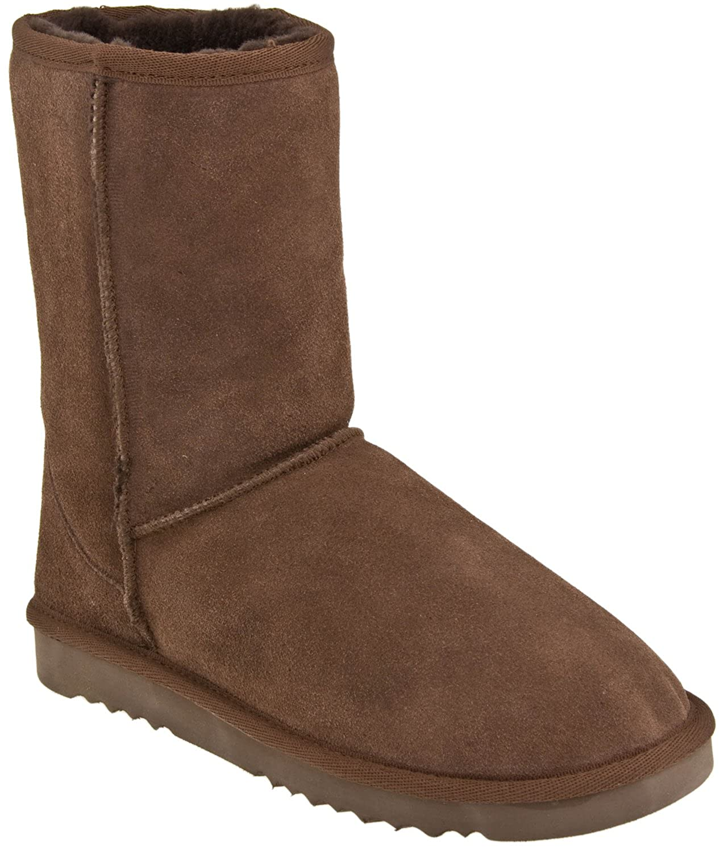 Lamo Sheepskin 9 inch Classic Boot 9 Rugged Sole Boot
