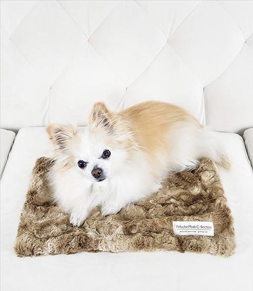 "Peluche Plush Luxury Bunny Cuddle Dog/Pet Blanket (11"" x 16"" Carrier"