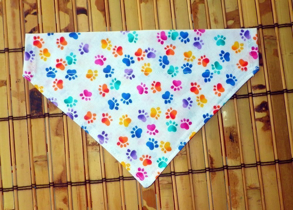 Reversible Paws Print Thread Through Collar Dog Bandana, Doggie Accessories, Over the Collar Dog Thread Through Petwear, Pet Clothing