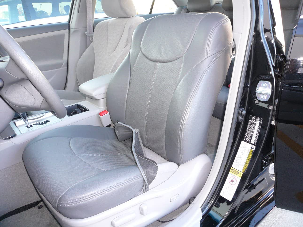 Clazzio 230621gryy Grey Leather Front Row Seat Cover for Toyota Prius V
