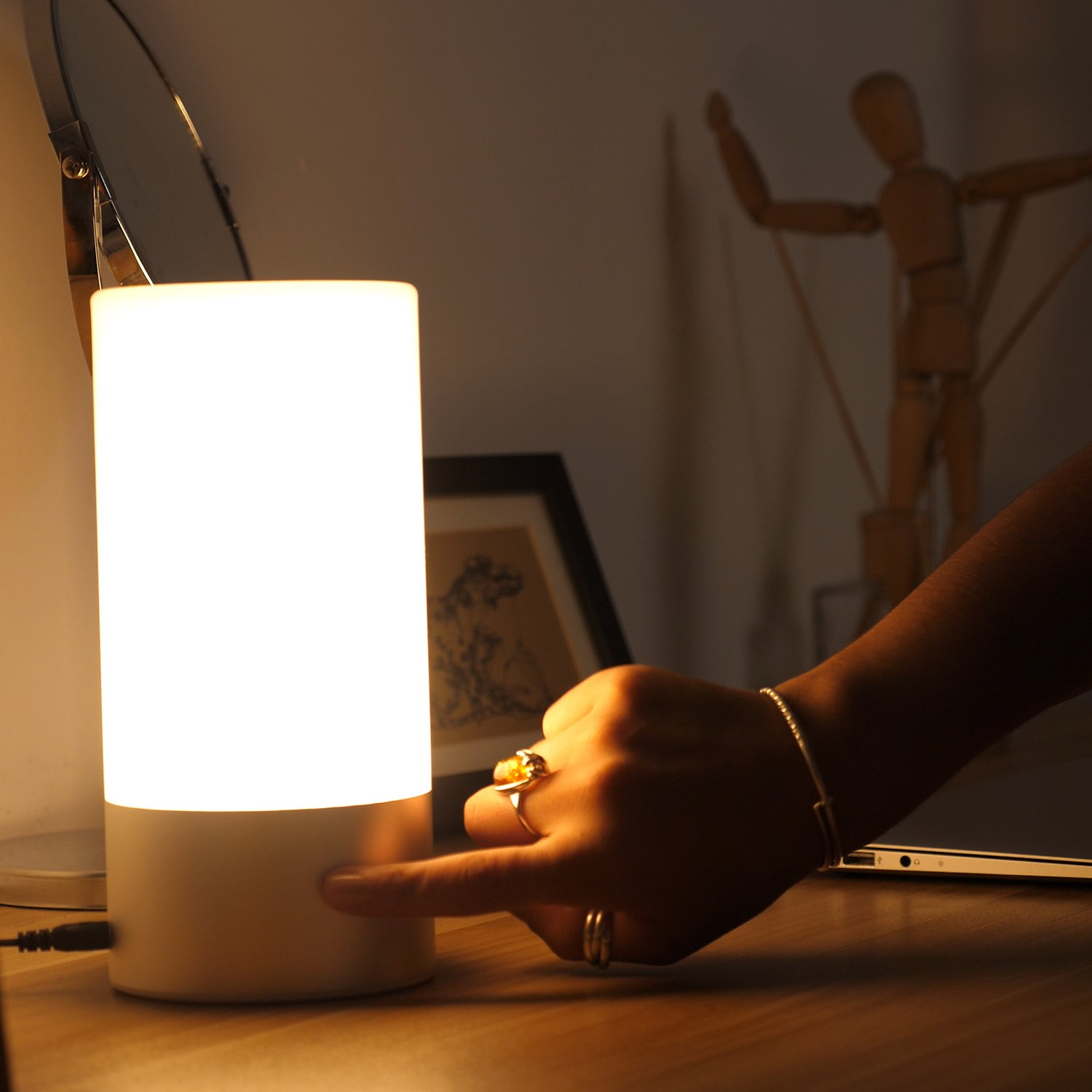 AUKEY Table Lamp, Touch Sensor Bedside Lamps + Dimmable Warm White Light & Color Changing RGB for Bedrooms by AUKEY (Image #9)