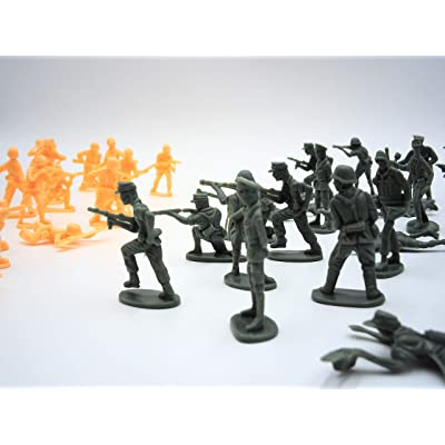 TODDLER TOYS 80 Pc Military Army Men Green and Tan Toy: Toys & Games