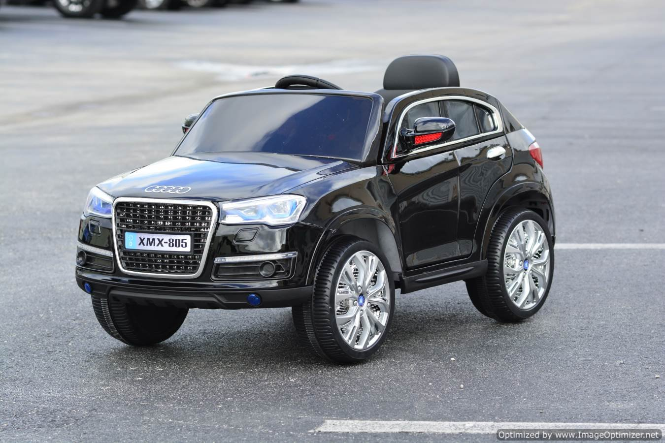 amazoncom new audi q7 style electric ride on car for children with led wheels remote control black toys games