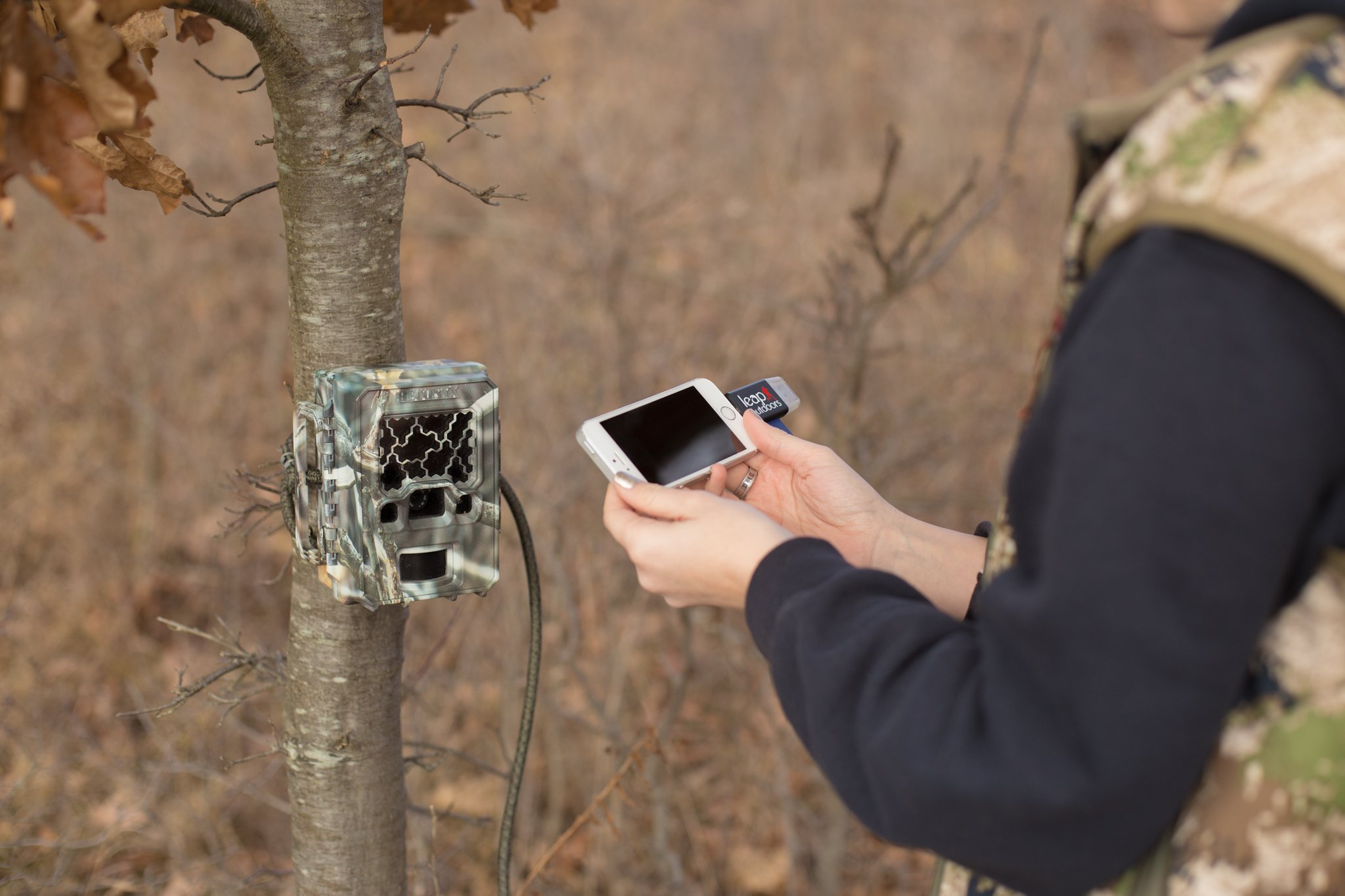 Leap Outdoors Trail or Game Camera Viewer SD Card Reader for Apple iPhone or iPad | Works with Cases | Reads SD, SDHC, and Micro SD Cards (Device + Case)