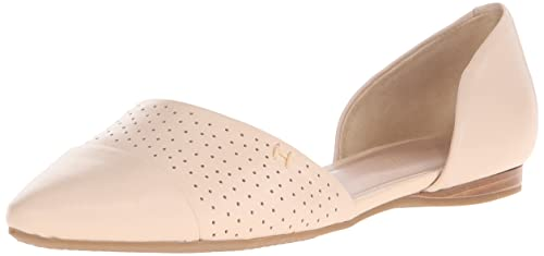 26d40d9bf7fc3 Tommy Hilfiger Women s Neema Pointed Toe Flat
