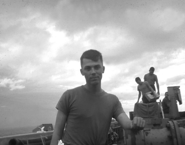 just dust  an improbable marine u0026 39 s vietnam story  english