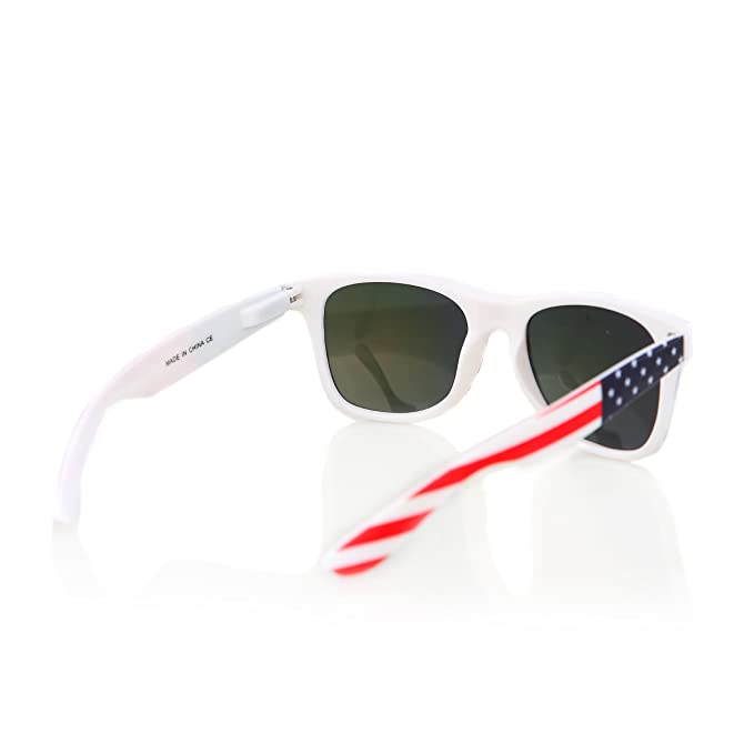 707785ae311f3 Amazon.com  American USA Flag Retro 80 s Sunglasses Classic America  Patriotic Classic Sunglasses Eyewear by Shaderz Golden  Clothing