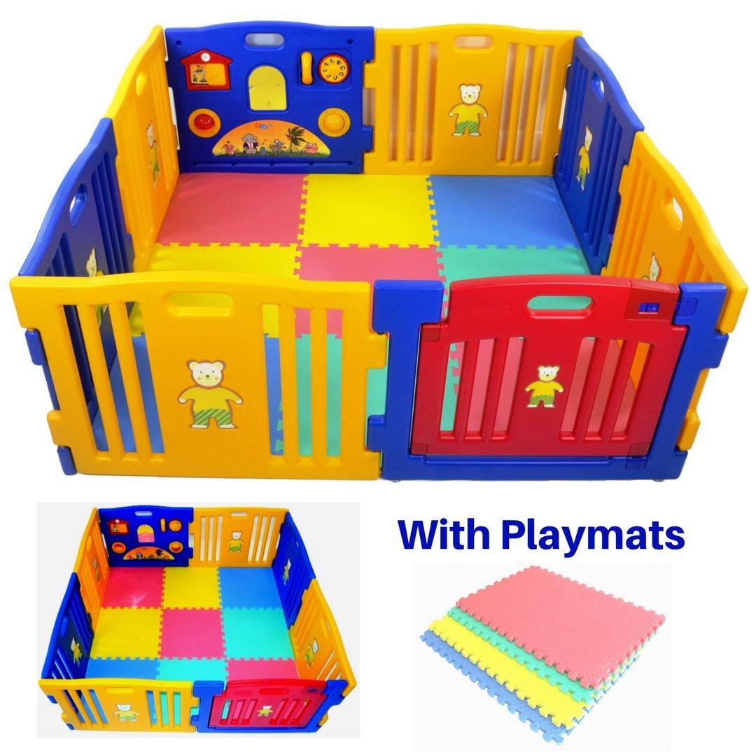 Parque infantil Millhouse de plástico con panel de actividades y con alfombrillas de juego incluidas multicolor