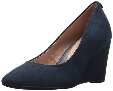 5d955f6d530e Amazon.com  Taryn Rose Women s Ysabella Silky Suede Pump  Shoes