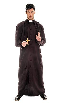 a270eda74ba Amazon.com  Underwraps Men s Plus-Size Deluxe Priest