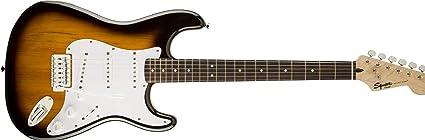 Squier by Fender - Guitarra Bullet Strat con trémolo: Amazon.es ...