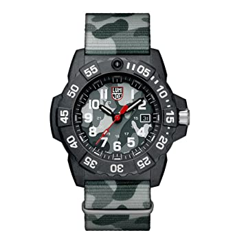 756b5daffe72 Amazon.com  Luminox Men s SEA Stainless Steel Swiss-Quartz Watch ...