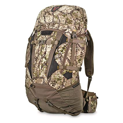 Amazon.com   Badlands Sacrifice LS Camouflage Hunting Pack - Bow ... abb82a59be