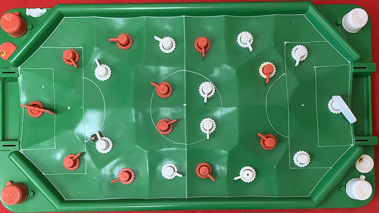 Football Vintage 1960's Casdon Soccer Game As Played By Bobby Charlton  Table Top Game Complete In The Original Box: Amazon.co.uk: Toys & Games