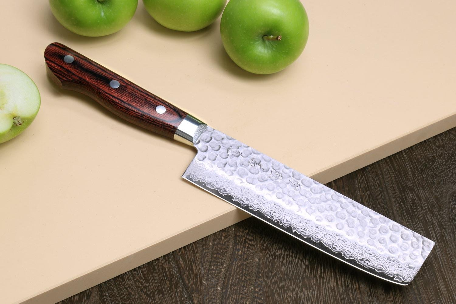 Yoshihiro VG10 16 Layers Hammered Damascus Nakiri Japanese Vegetable Chefs Knife 6 inch 1st Edition