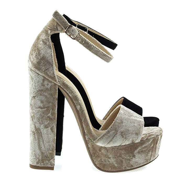 c65bfd95d55 Amazon.com   Speed Limit 98 Towering High Chunky Block Heel Dress ...