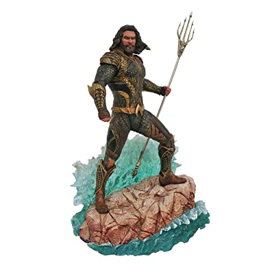 DIAMOND SELECT TOYS DC Gallery: Justice League Movie Aquaman PVC Gallery Figure: Toys & Games