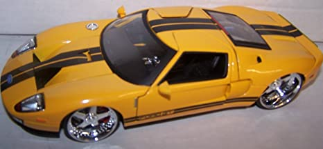 Jada Toys   Scale Dub City  Ford Gt In Color Yellow
