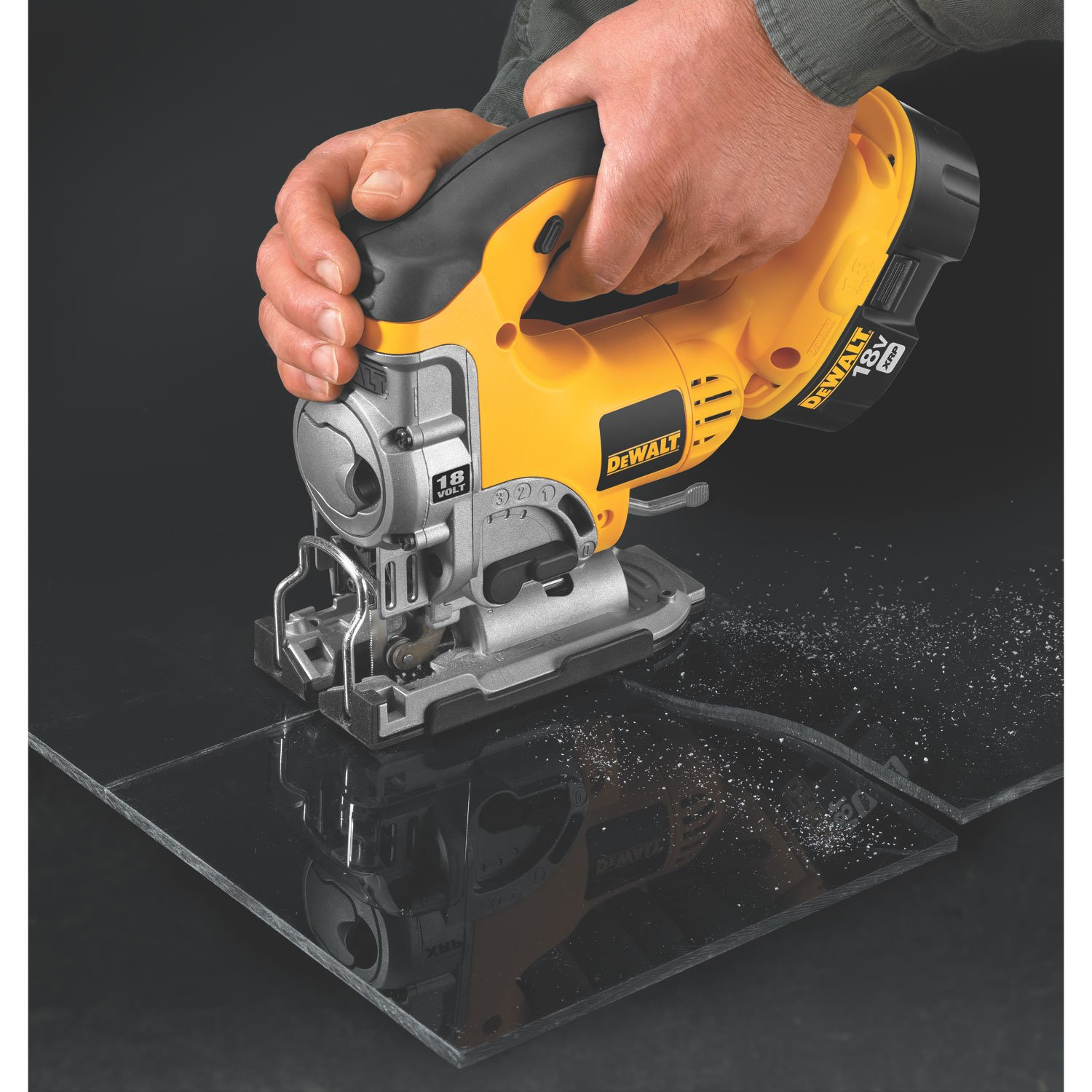 Dewalt bare tool dc330b 18 volt cordless jig saw with keyless blade dewalt bare tool dc330b 18 volt cordless jig saw with keyless blade change power jig saws amazon greentooth Choice Image