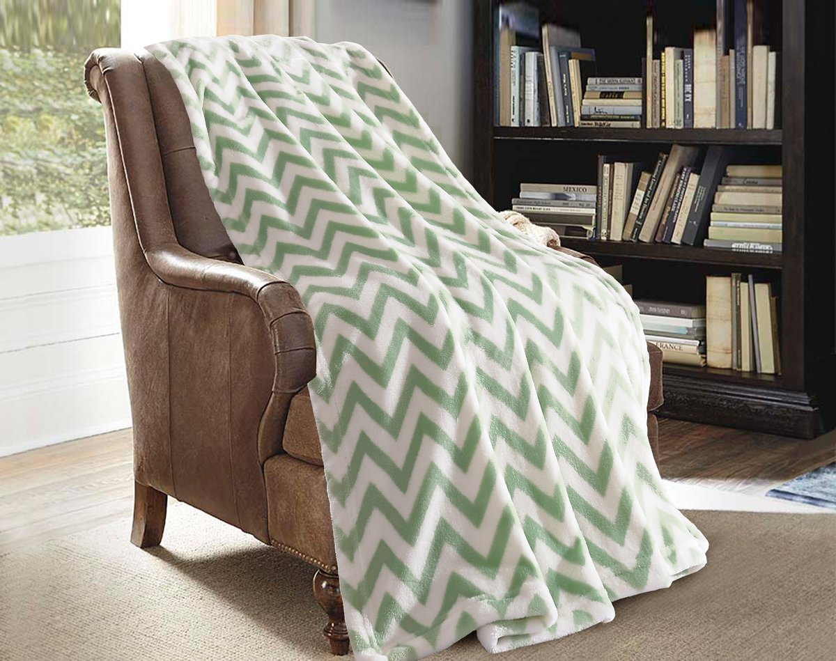 "Plush Throw Blanket 50"" x 60"", Lightweight All Season(Chevron-Green, Throw)"