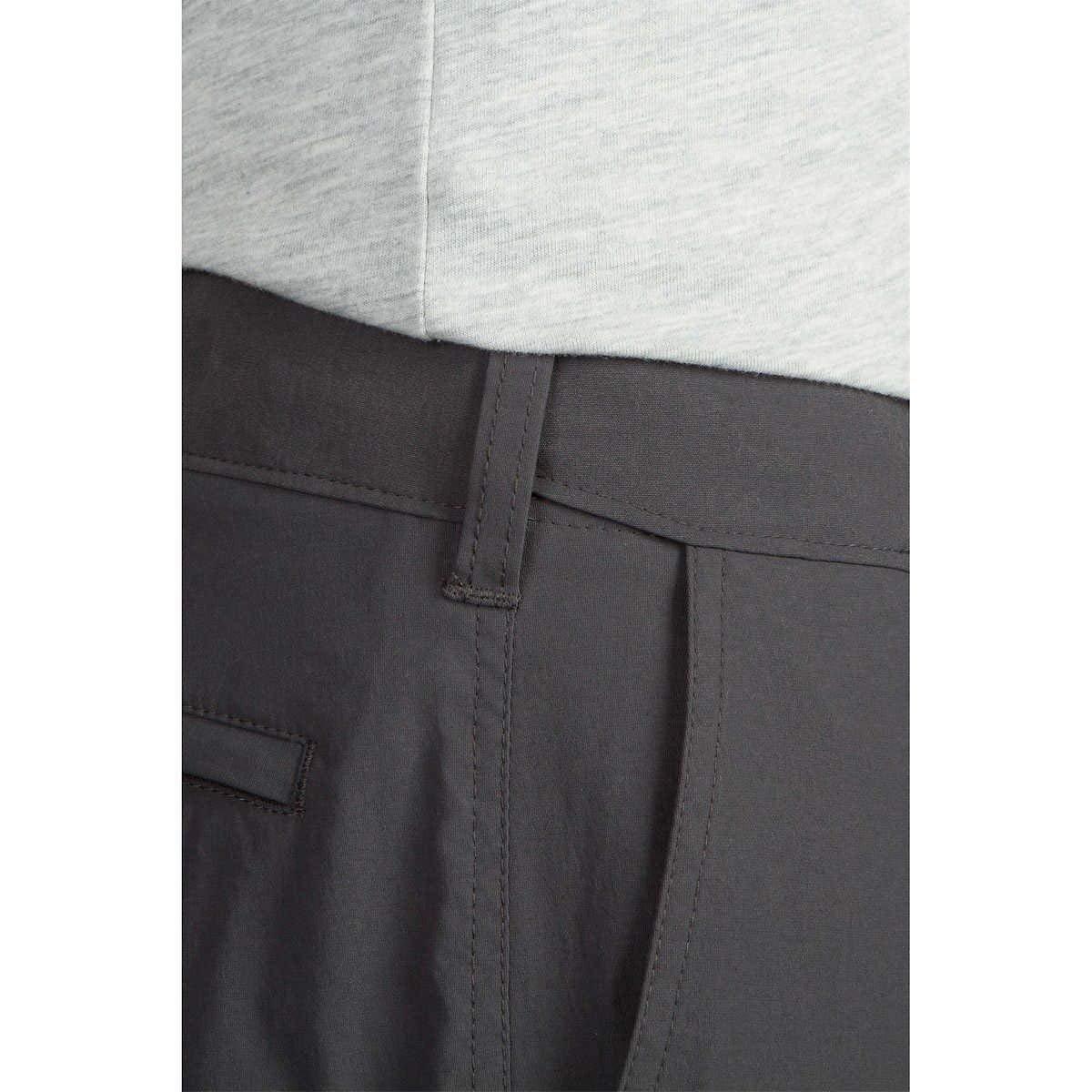 UB Tech by UnionBay Mens Classic Fit Comfort Waist Chino Pants