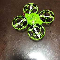 Amazon Co Jp Eachine E016h ドローン 室内用 ミニ 小型 こども向け おもちゃ 子供用 初心者 高度維持 ラジコン バッテリー2個付き 最大飛行時間16分 360度保護プロペラガード 日本語説明書付き 国内認証済み 2 4ghz グリーン カメラ