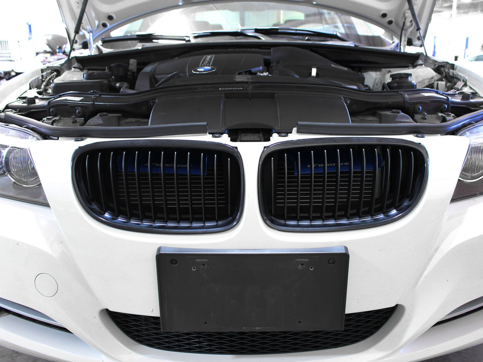 aFe Power Magnum FORCE 54-11478-L BMW 3-Series (E9x) Intake System Scoops (Matte Blue) by aFe Power (Image #6)