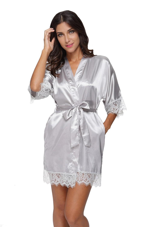 279c01cfa2 Women s Sexy Satin Short Kimono Robe with Lace Trim Bridal Party Robe  Sleepwear at Amazon Women s Clothing store