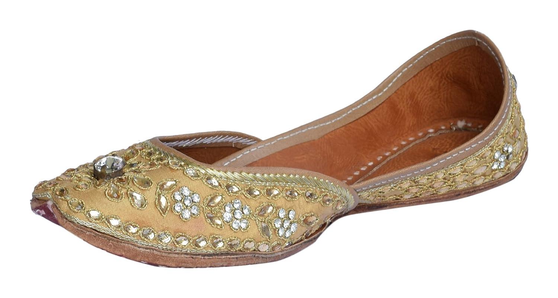 Jutti.Online Golden Punjabi Juttis for