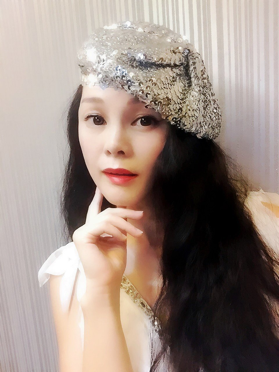 Silver Sequin Beret,Womens Turban,Full Turban,Turban Headband,Turban Hat,Stretch Turban, Caps, Hats, Women Hats,Fashion Turban,Head Wrap,Head Scarf,Headband,Hipster,Fashion,Gift ,Show, Party ,Holiday