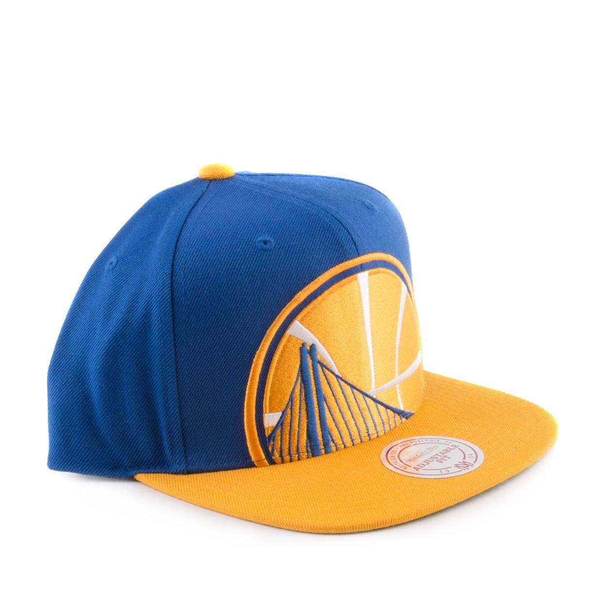 the best attitude 313e5 c9c0b Amazon.com   Mitchell   Ness NBA Cropped XL Logo Adjustable Snapback Hat  (One Size, Boston Celtics)   Clothing