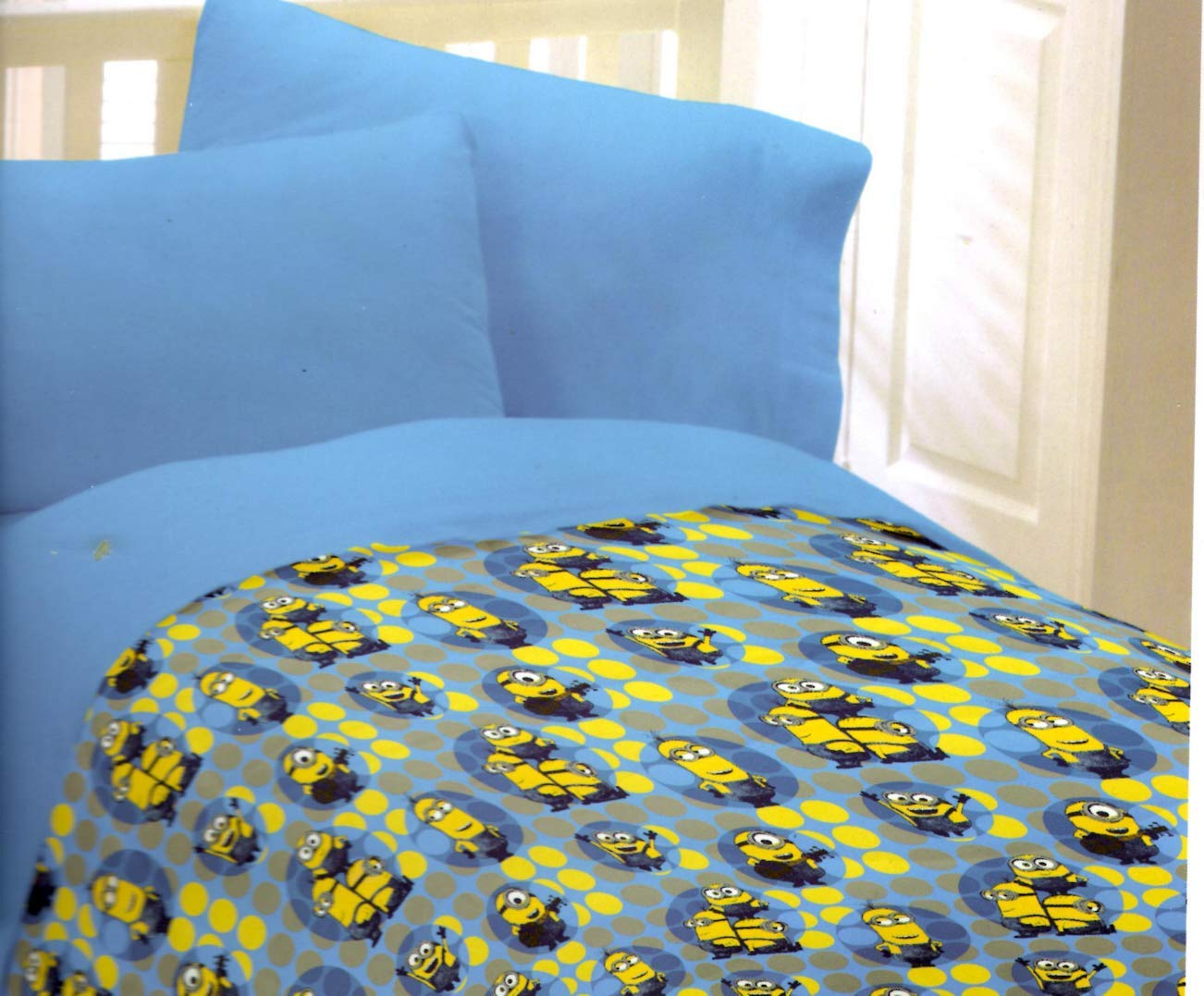 Minions Despicable Me Comforter Dots of Fun Twin